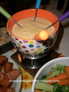 Cheese Fondue with Crusted Bread