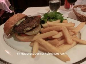 L Operetta Cafe Beef Burger