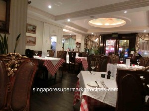 L Operetta Cafe Decor