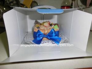 Flor Cake cake inside box