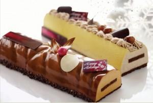 fullerton hotel log cakes