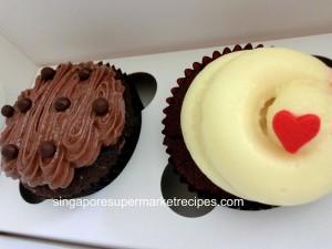 twelve cupcakes velvet and choco