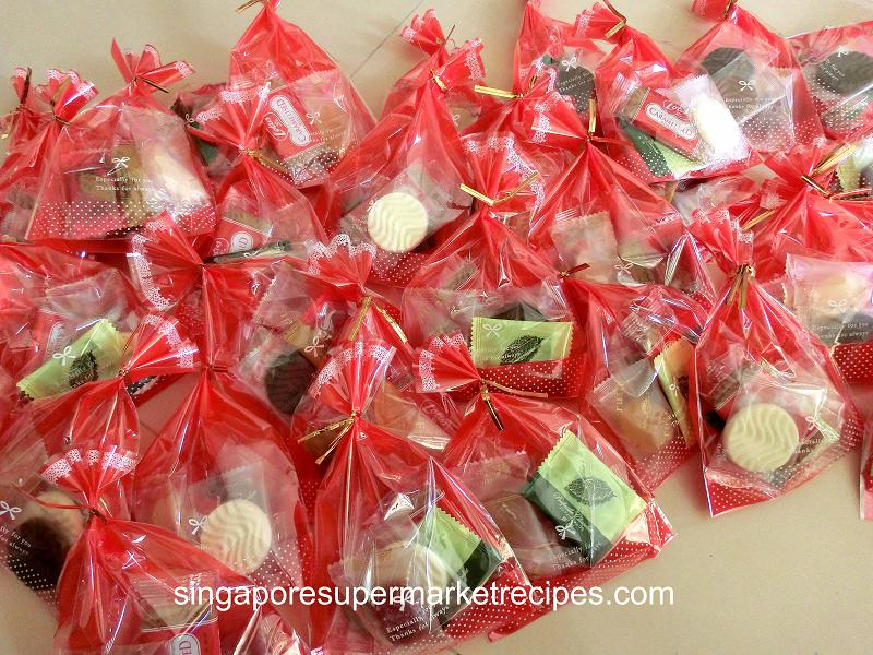 Simple And Quick Self Made Valentine S Day Chocolate Gift Pack Ideas