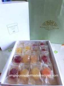 Self Made Valentines' Day Chocolate Pack Rokuneikan fruity gummies