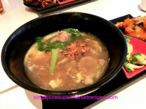 Taste restaurant at Ibis hotel - beef hor fun