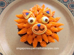 Animal and flower cupcake