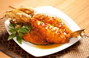 deep fried garoupa with chilli dip