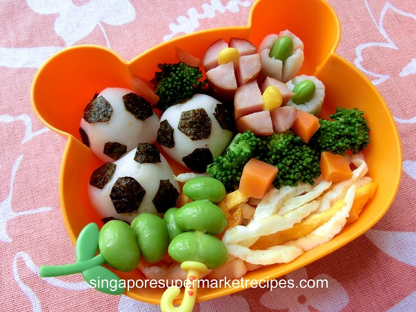 quick simple kids bento recipe ideas indoor football in a lunchbox. Black Bedroom Furniture Sets. Home Design Ideas