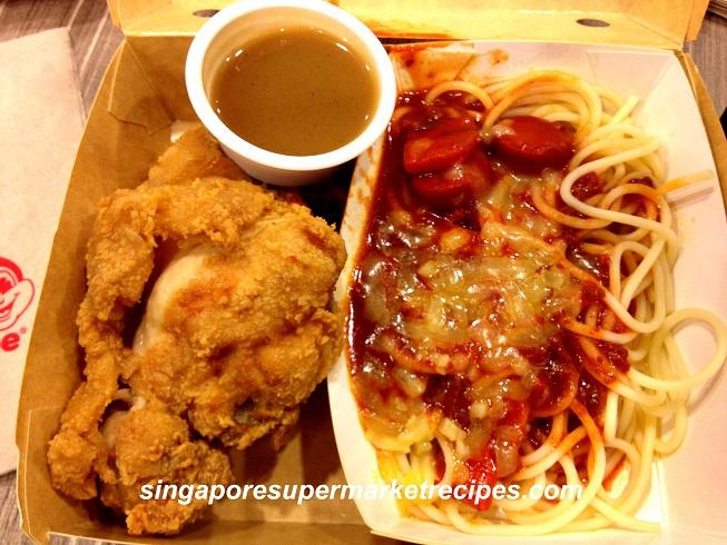 Jollibee Lucky Plaza Singapore Reviews Menu Got Stung By The