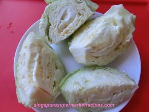 cabbage and pork stew in bonito stock